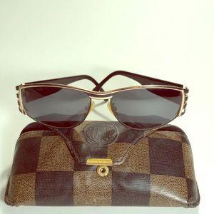 Fendi Sunglasses FS118 Ebony 130 with Leather Case